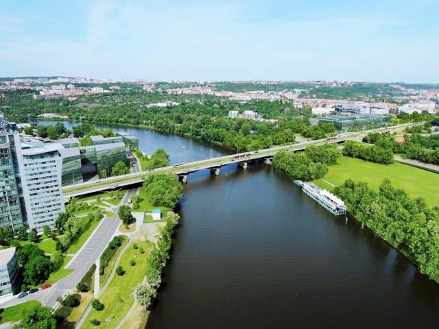 Tramvají přes Libeňský most pojedete od soboty. Foto TSK Praha
