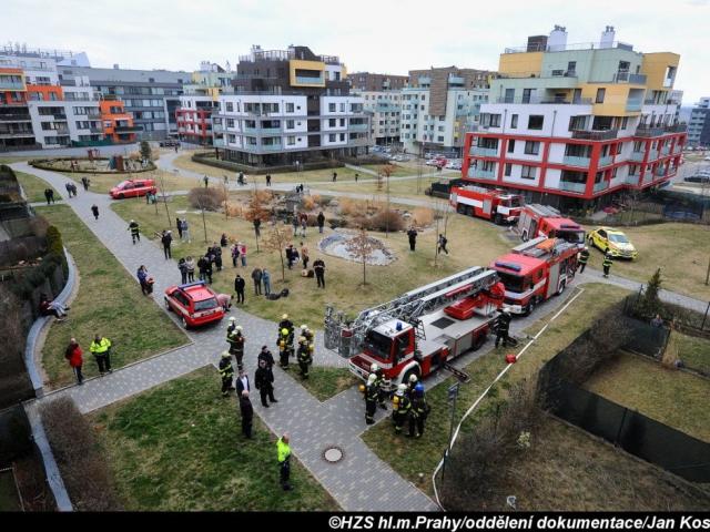 V pražských Stodůlkách hořelo, foto Jan Kostík