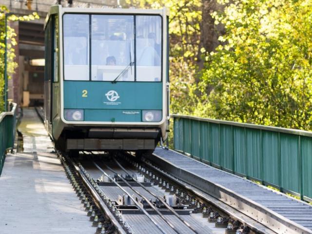 Lanová dráha na Petřín po mimořádné opravě opět jede, foto: DPP