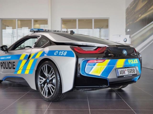 Policie ČR pokračuje v testování BMW i8. Foto: BMW Group