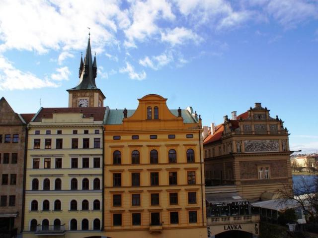 Ceny starších bytů se v Praze pohybují okolo 80 000 korun na m², ilustrační foto: Praha Press
