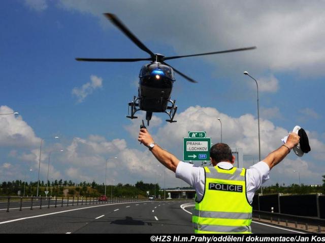 Hasiči zasahovali u dopravní nehody, foto: Jan Kostík