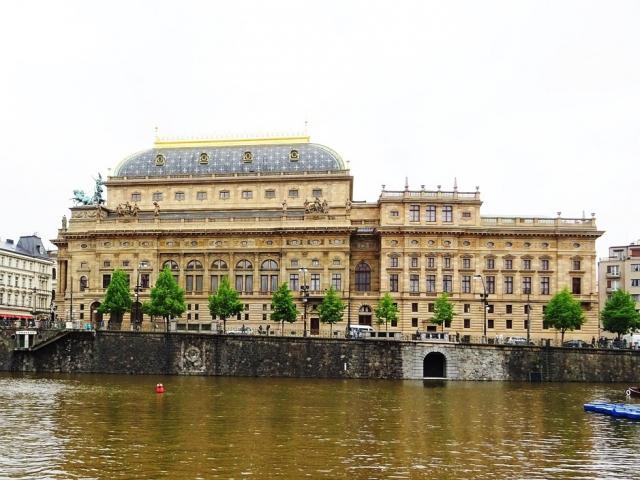 Národní divadlo vyhlásilo literárně-výtvarnou soutěž k významným výročím našeho státu