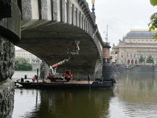 Diagnostické práce na mostě Legií si vyžádají první dopravní omezení, foto: TSK Praha