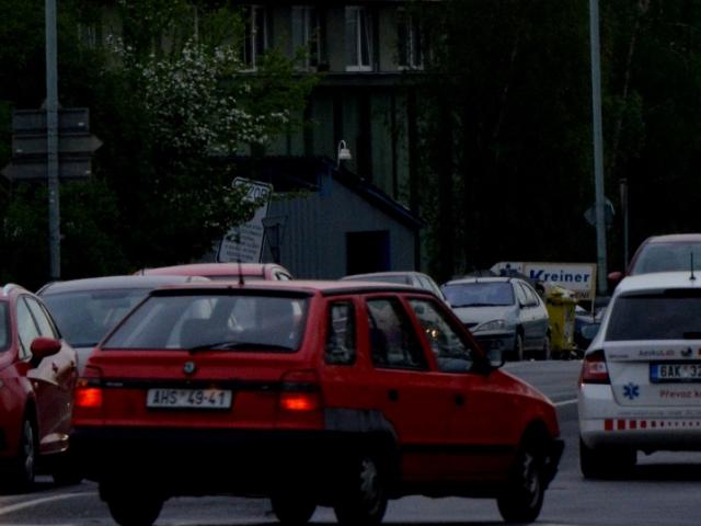 Praha 2 začala monitorovat hluk na Rašínově nábřeží, ilustrační foto