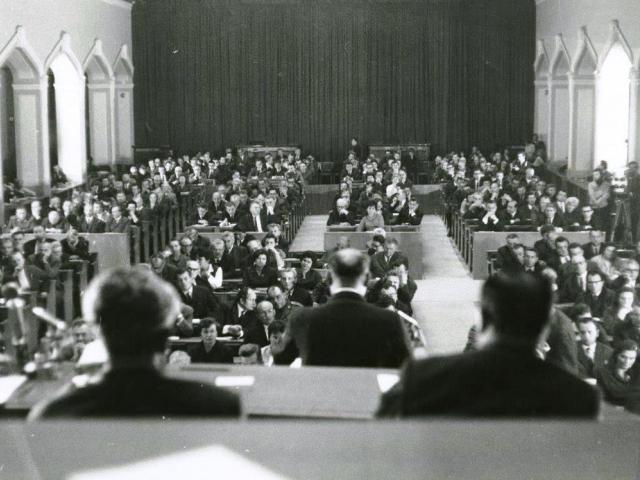 Před padesáti lety parlament schválil dočasný pobyt sovětských vojsk, foto: Parlament ČR