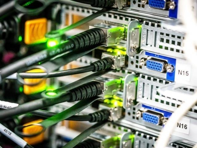 Praha má nejvýkonnější superpočítač pro výzkum umělé inteligence v ČR, foto: Fakulta elektrotechnická ČVUT Praha
