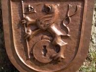 Tepaný znak obce Dlouhé, kurz tepání na hradě Helfštýně, 2006