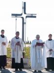 Žehnání nového hřbitova v Radešínské Svratce Mons. Janem Daňkem a P.Pavlem Habrovcem,